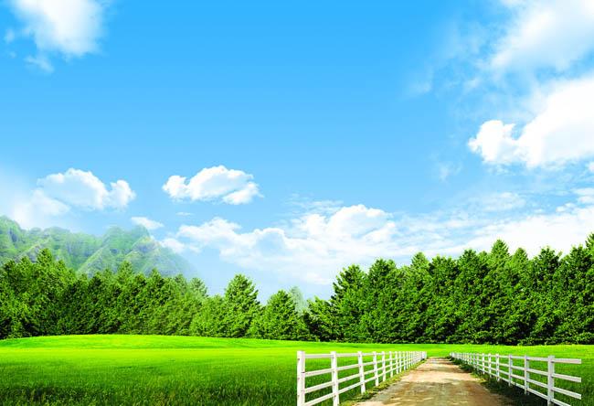 草原蓝天白云风景psd素材 春天绿色草地风景psd素材 小房子卡通春天